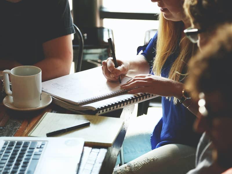 Hvordan skrive historier for markedsføring, feat img